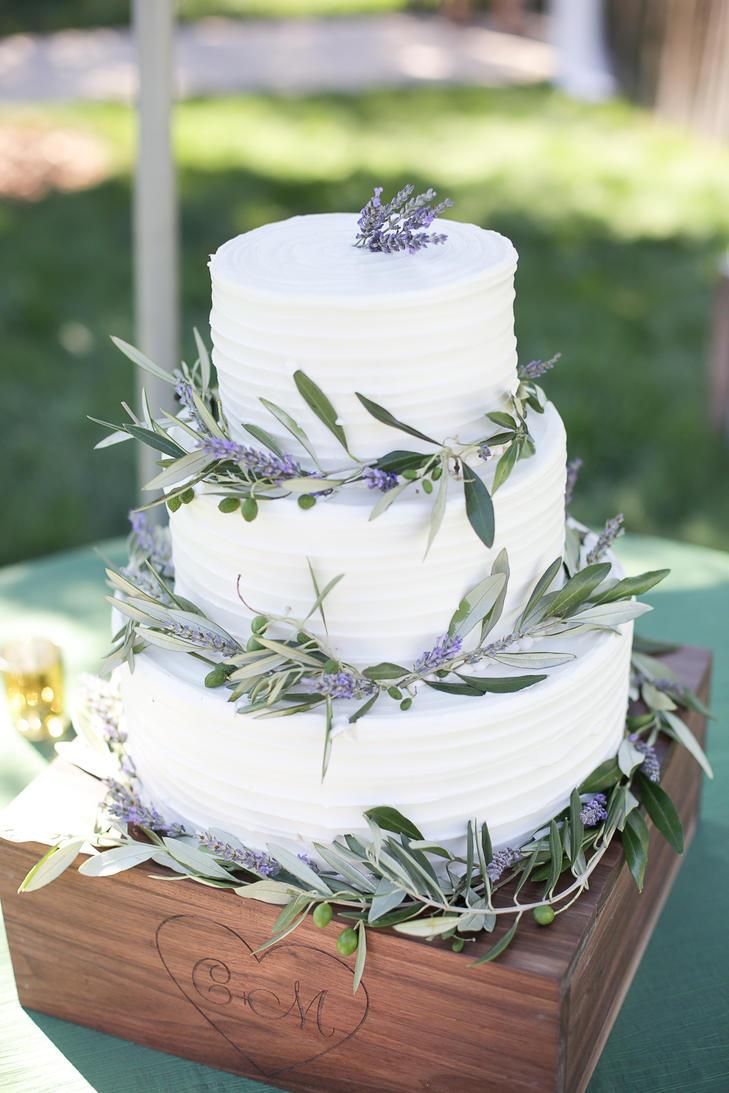 Fall Themed Wedding Cakes